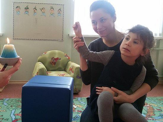Ребенок-инвалид оказался заложником квартирного скандала