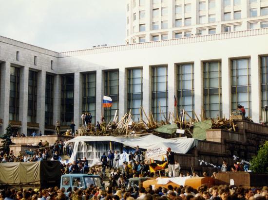 1991-2017: ПОБЕДИЛ ЛИ ГКЧП?