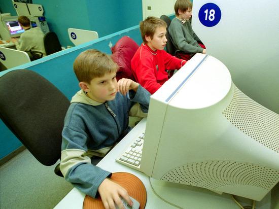 Интернет-зависимые дети: как отучить от зависания в соцсетях