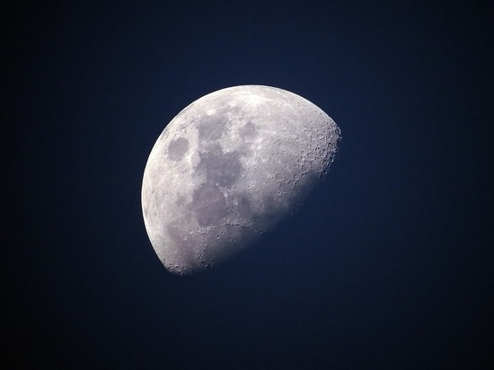 Немалый  астероид приблизится кЗемле всамом начале  осени