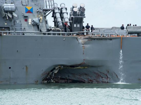Инцидент с эсминцем «Джон Маккейн»: психология превосходства американского флота
