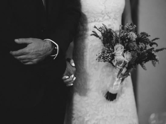 ВЧечне отец избил иобрил налысо намеревающуюся выйти замуж дочь