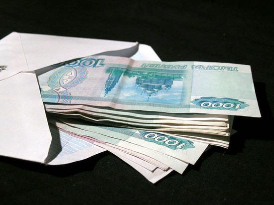 """""""Ошеломляющая цифра"""": почти половина россиян работает в серую"""