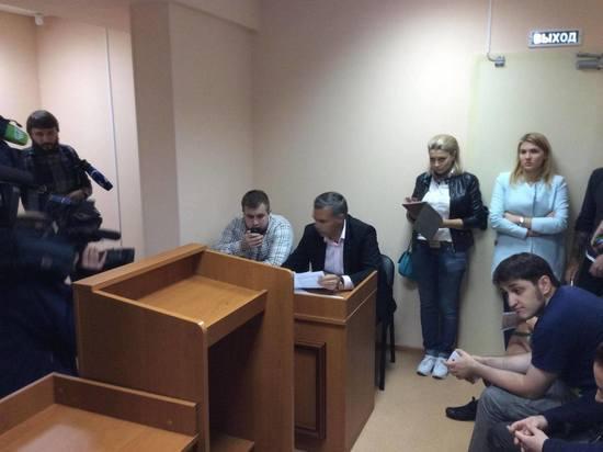 Генпрокуратура просит назначить полгода исправительных работ жителю столицы, ударившему корреспондента НТВ