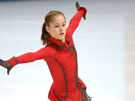 Олимпийская чемпионка Юлия Липницкая завершила карьеру после курса лечения отанорексии