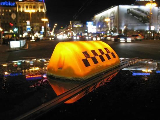 Уволены хабаровские таксисты, умывшие девушек