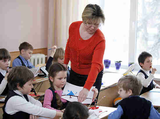 Половина россиян отметила сильный рост затрат на бесплатное образование