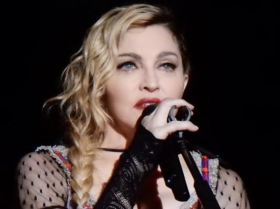Футбольная карьера приемного сына Мадонны заставила певицу переехать в Португалию