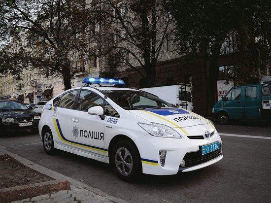Украинские полицейские ограбили канадского инструктора, приехавшего их обучать