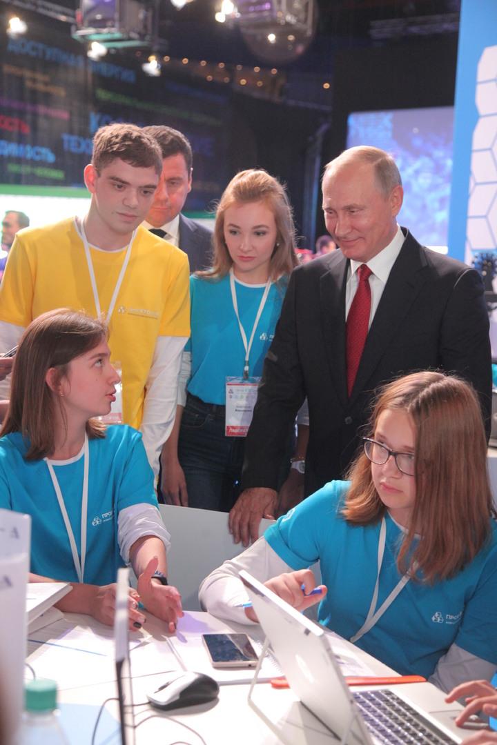Путин поговорил со школьниками о Марсе и «внутреннем ядерном реакторе»