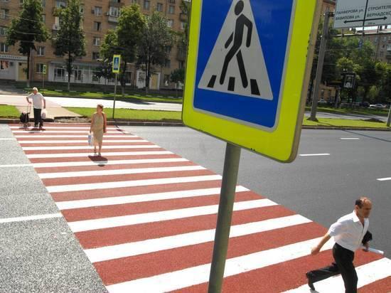 Общественники предложили увеличить расстояние при парковке перед «зеброй»