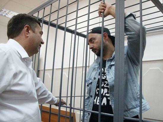Суд облегчил домашний арест Серебренникова: можно гулять ежедневно