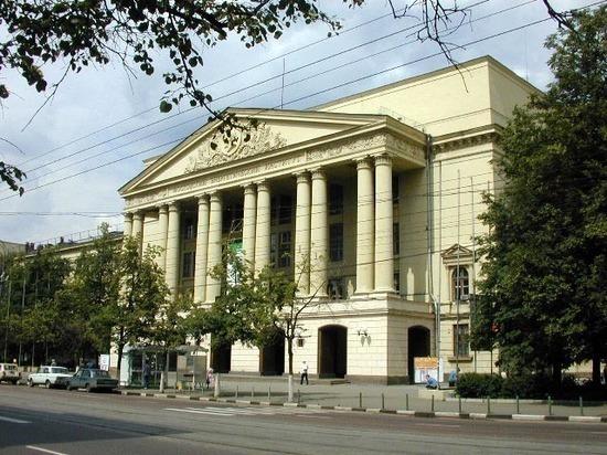 В Москве сотрудница МЭИ погибла, упав в яму