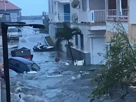 Ураган Ирма «снес» любимый остров Абрамовича: созвали экстренное совещание