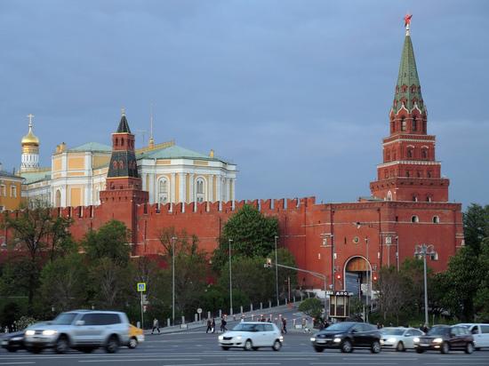 Гражданин Ростова попытался проехать кПутину вКремль намашине
