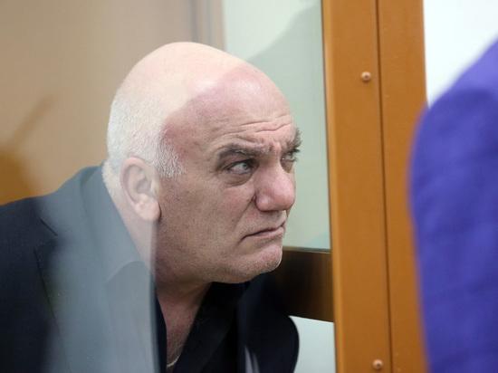 Коммерсант Петросян, захвативший заложников, назвал приговор несправедливым