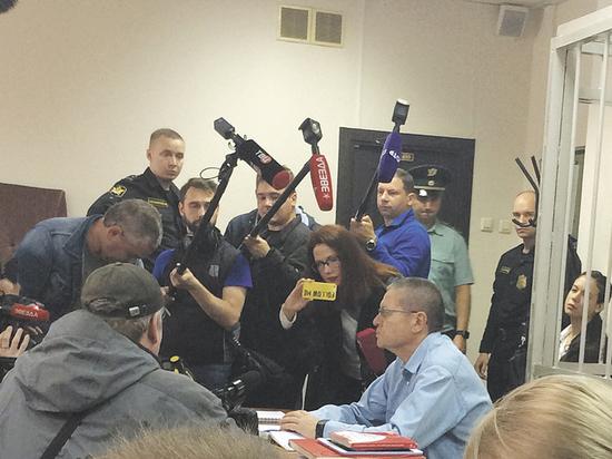 Водитель Улюкаева рассказал в суде о «портфеле в 20 килограммов»