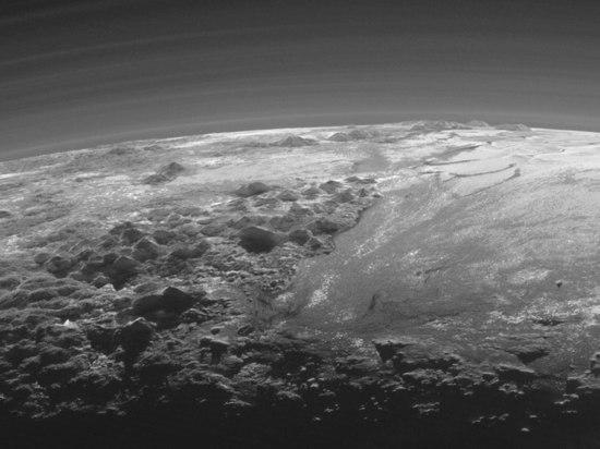 Равнину наПлутоне назвали вчесть первого искусственного спутника Земли