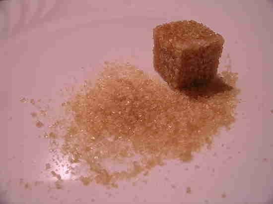 Ткачев возмутился наличием в России дешевого сахара