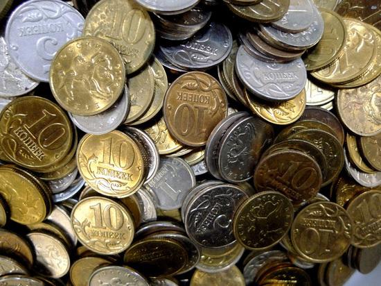 Наперегонки с бедностью: власти обещают поднять МРОТ до прожиточного минимума