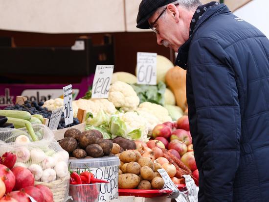 Росстат: цены на основные продукты питания продолжают снижаться