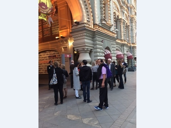 Красную площадь «заминировали»: ГУМ закрыли на пару часов
