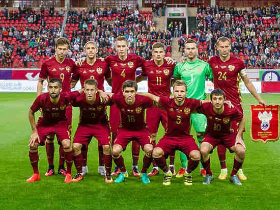 Сборная России по футболу обновила антирекорд в рейтинге ФИФА