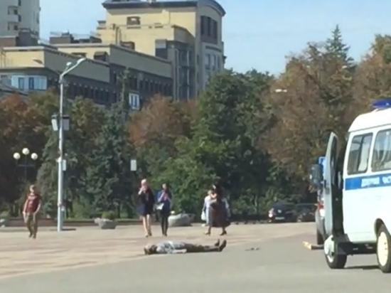 В Белгороде пенсионер привез труп к зданию правительства