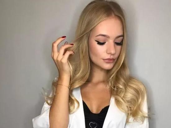 СМИ назвали причину ухода Елизаветы Песковой из Instagram