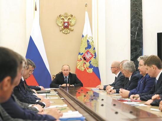 Губернаторы пообещали Путину процветающую страну под его руководством. 16 энергичных мужчин и президент поговорили по душам