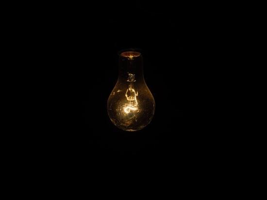 Запрет лампочек ударит по кошельку: энергоэффективность - потом, деньги - сейчас