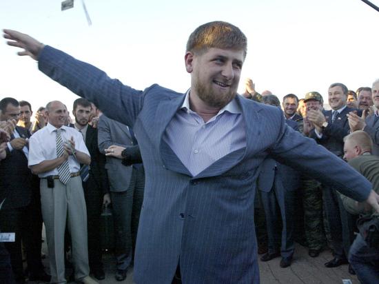 Борцы скоррупцией требуют проверить стоимость подаренного Кадырову коня