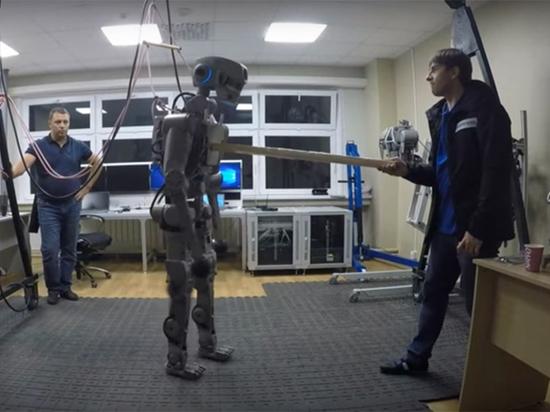 Космического робота Федора ученые обучают общению