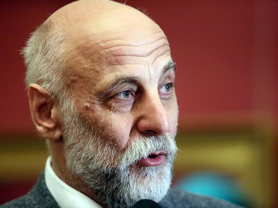 Салават Щербаков рассказал, как будет исправлять памятник Калашникову