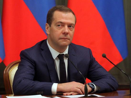Медведев ответил пользователю социальная сеть Instagram напост опобеде власти над Навальным