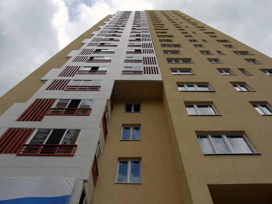 Северокорейский ребенок разбился после падения с15-го этажа в столицеРФ