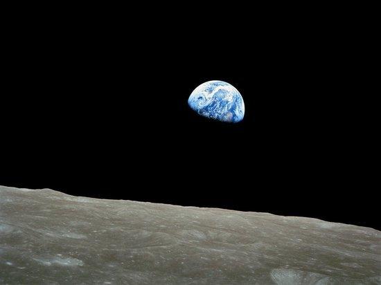 На Луне и Марсе нашли идеальные места для жизни людей