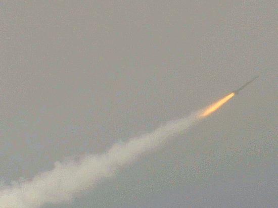 В РФ создают электромагнитные бомбы, парализующие технику противника