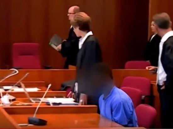 Ганец изнасиловал немку наглазах у молодого человека иобвинил еевпроституции