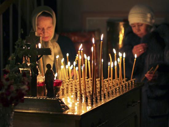 Медведев подписал противопожарные требования к кадилам и церковной траве