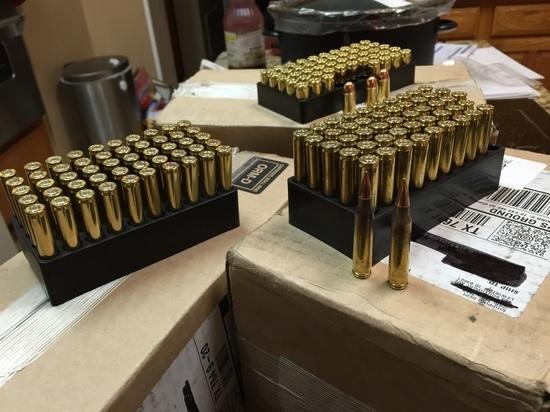 Как стрелок из Лас-Вегаса пронес в отель 10 сумок оружия