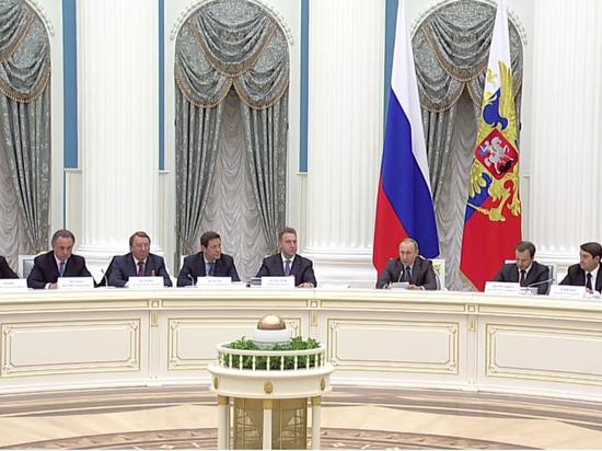 """Путин пожурил """"Зенит"""" за 8 иностранных футболистов в Лиге Европы"""