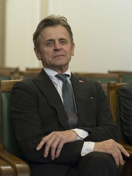 «Верховные начальники глубоко бездарны»: Барышников вступился за Серебренникова
