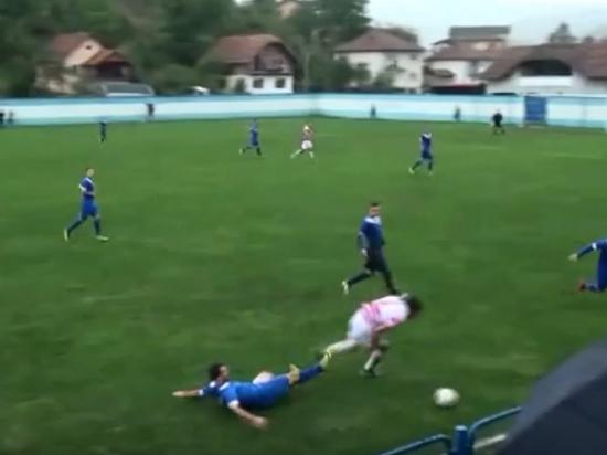 Боснийский футболист лишился яичка из-за удара соперника во время матча