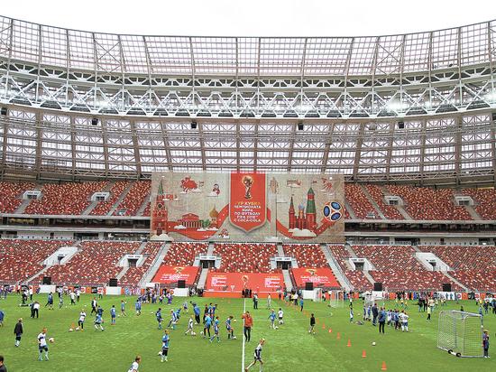 Трибуны арены вЕкатеринбурге выглядят странно— ФИФА