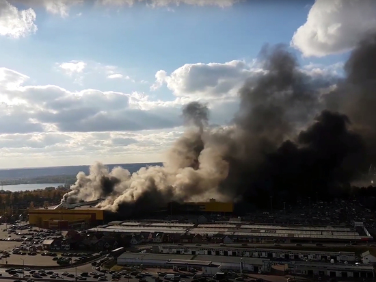 Сильнейший пожар в Москве: накануне на стройрынке «Синдика» нашли нарушения