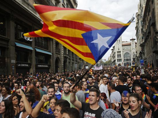 Каталония продолжает угрожать: когда автономия провозгласит независимость
