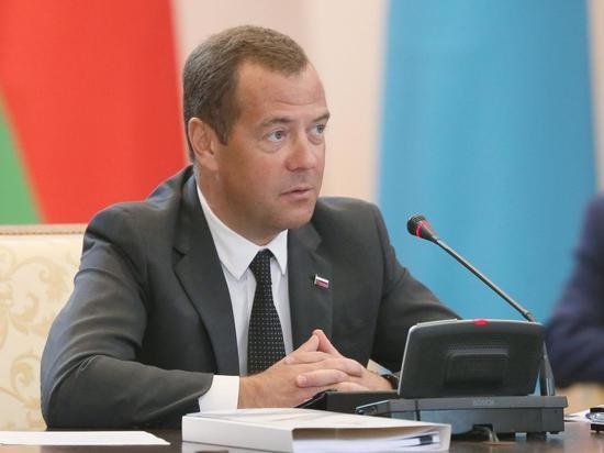Медведеву после назначения Турчака припомнили обещание расследовать избиение Кашина