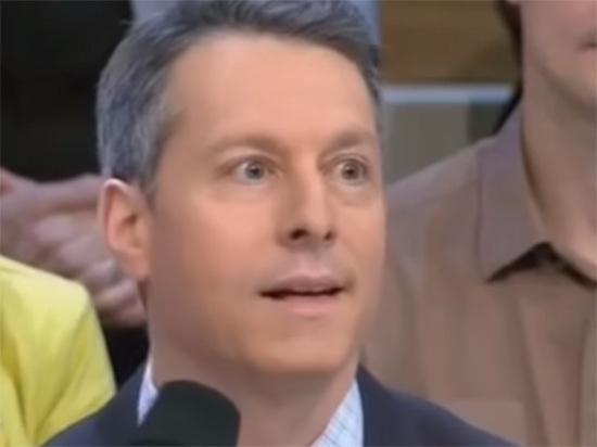 «Я сказал сидеть!»: ведущий Первого канала накинулся на ироничного американца