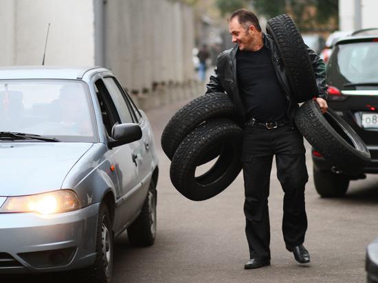 ЦОДД рекомендовал московским водителям переходить назимнюю резину